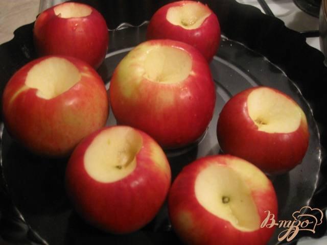 Фото приготовление рецепта: Яблоки запеченные с медом шаг №2