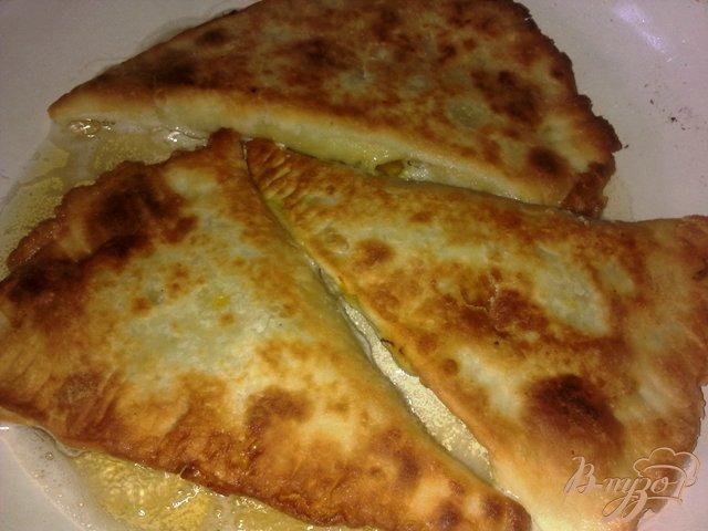 Фото приготовление рецепта: Чебуреки с тыквой шаг №7