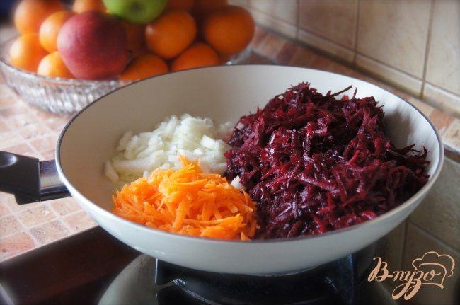 Фото приготовление рецепта: Борщ с телятиной шаг №3