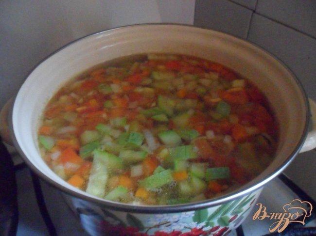 Фото приготовление рецепта: Овощной суп с фрикаделькаим шаг №9