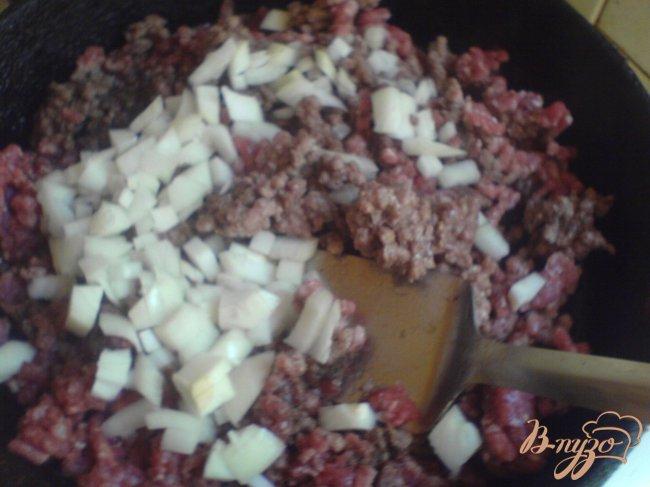 Фото приготовление рецепта: Пикантное рагу с огурцами шаг №4