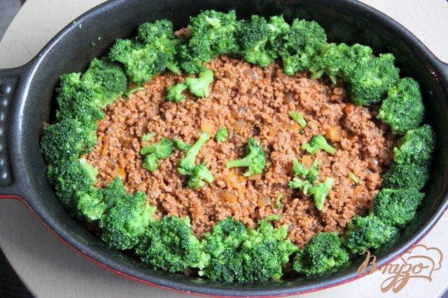 Фото приготовление рецепта: Мусака с брокколи и картофельным пюре шаг №6