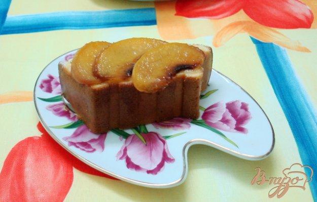 фото рецепта: Пирог с ломтиками персика