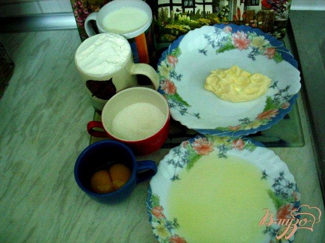 Фото приготовление рецепта: Пирог с ломтиками персика шаг №1