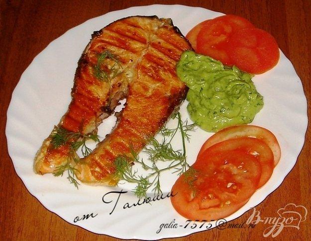 Рецепт Семга на гриле с соусом из авокадо