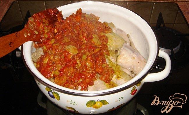 Фото приготовление рецепта: Курица с овощами шаг №4