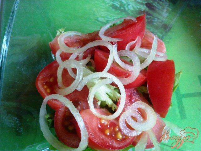 Фото приготовление рецепта: Теплый салат с лососем шаг №6