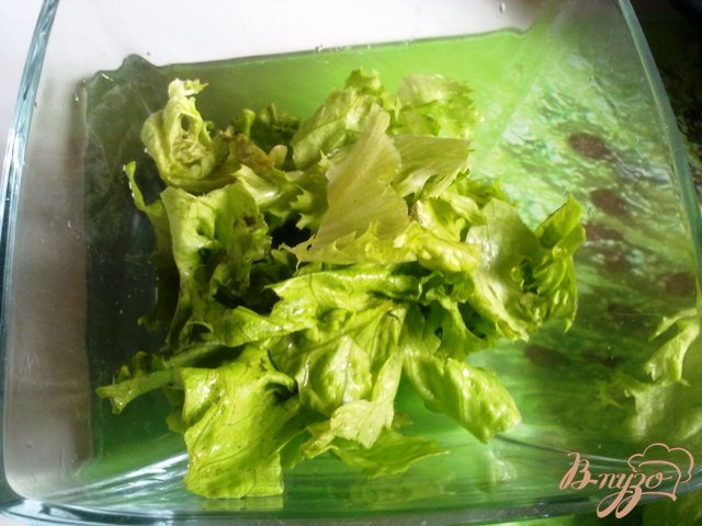 Фото приготовление рецепта: Теплый салат с лососем шаг №2