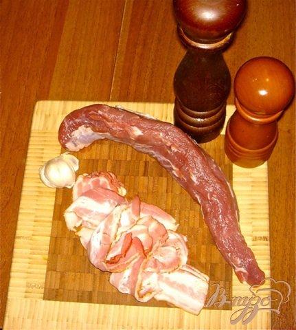 Свиная вырезка в беконе