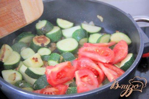 Цукини с помидорами и белой фасолью