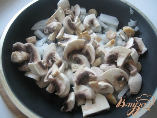 Жульен из семги с грибами