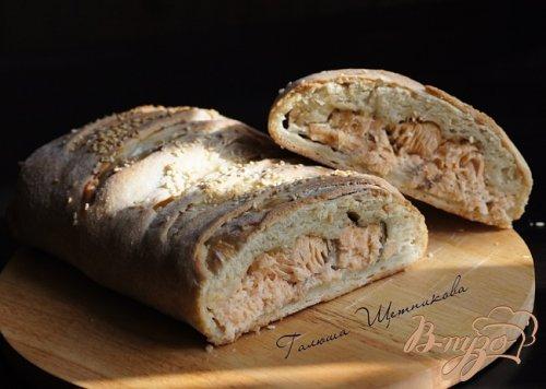 Пирог с форелью и зеленым сыром