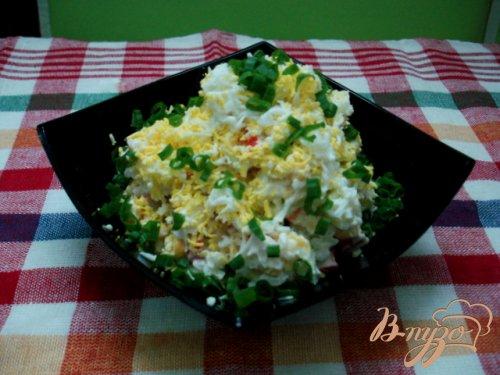 Салат из крабовых палочек с рисом и огурцом
