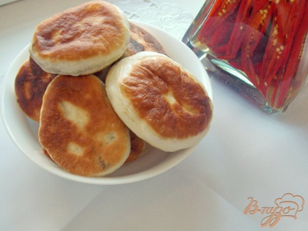 фото рецепта: Пирожки с куриной печенью и болгарским перцем