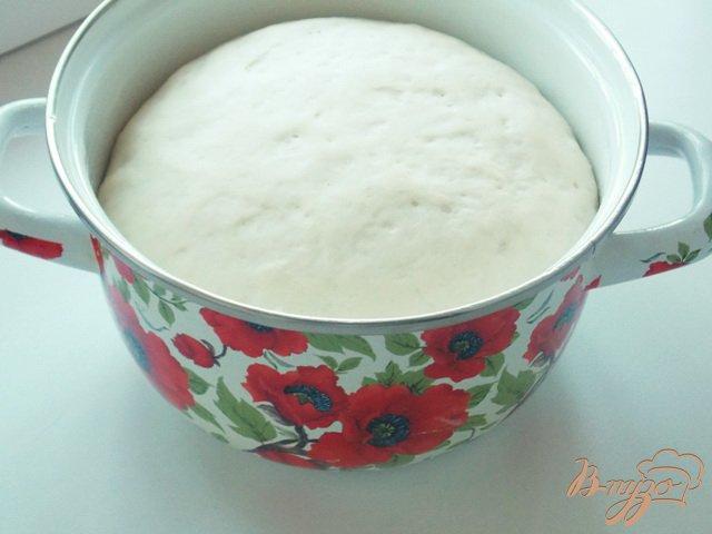 Фото приготовление рецепта: Пирожки с куриной печенью и болгарским перцем шаг №4