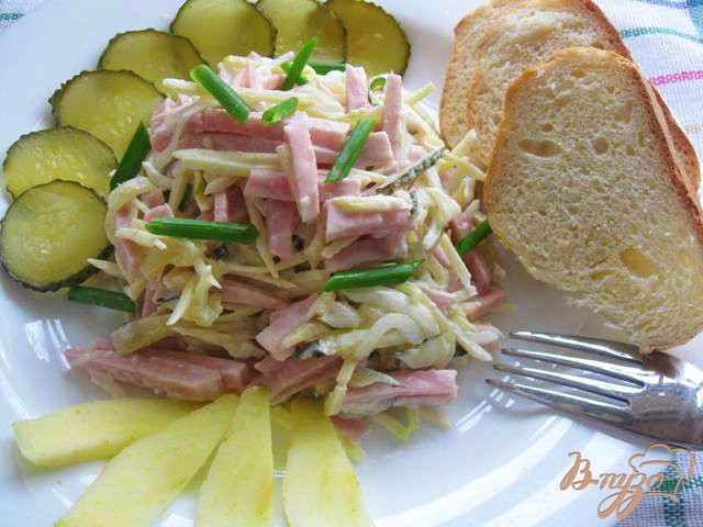 Фото приготовление рецепта: Салат  с ветчиной