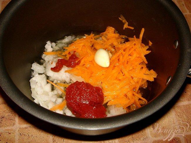 Фото приготовление рецепта: Суп с фрикадельками и брокколи шаг №4