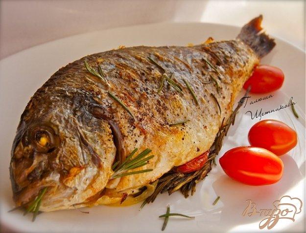 Рецепт Дорада запеченная в духовке с розмарином