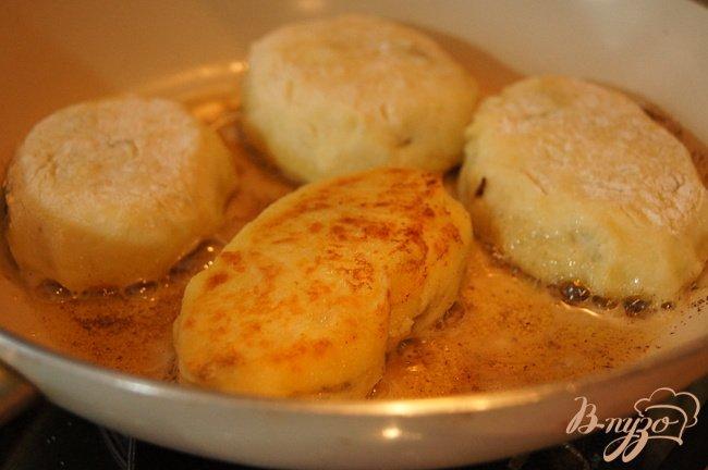 Фото приготовление рецепта: Картофельные зразы с грибами и говядиной шаг №7