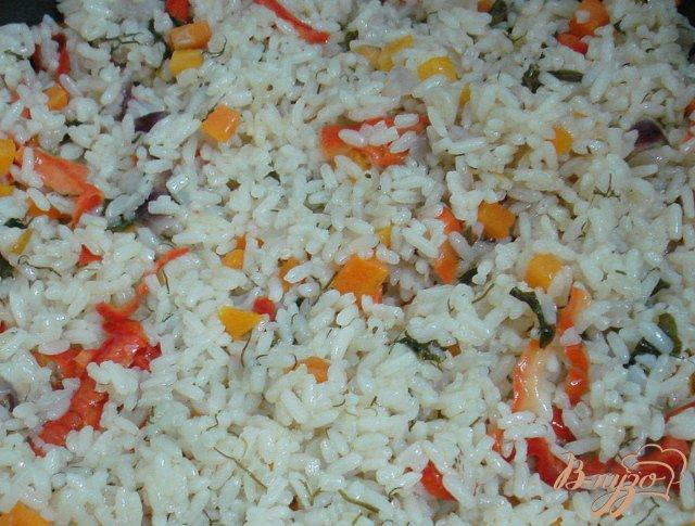 Фото приготовление рецепта: Рис с овощами шаг №7
