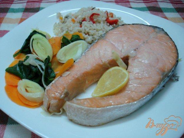 фото рецепта: Лосось на овощной подушке