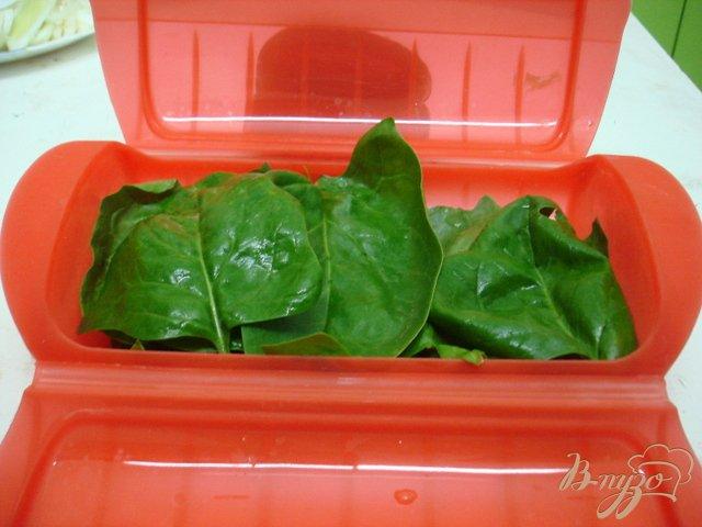 Фото приготовление рецепта: Лосось на овощной подушке шаг №2