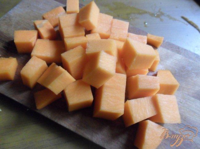 Фото приготовление рецепта: Похлёбка из тыквы и брюссельской капусты шаг №3