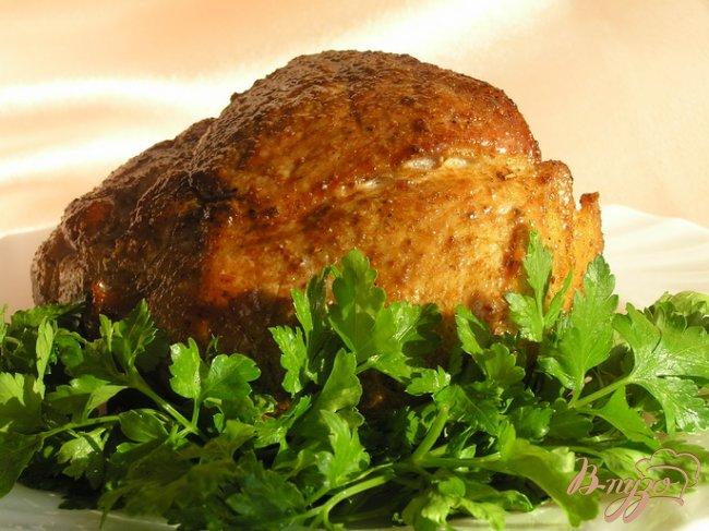 Фото приготовление рецепта: Запеченная свинина с адыгейской солью шаг №5