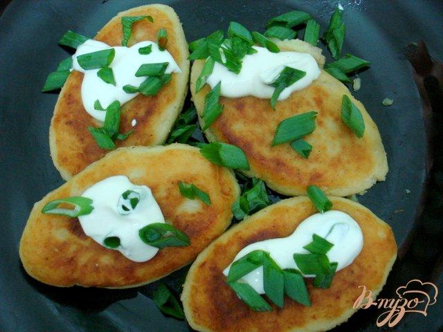 Фото приготовление рецепта: Картофельные зразы с шампиньонами шаг №6