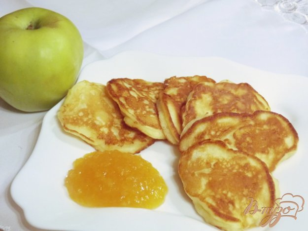 фото рецепта: Оладьи с яблоками