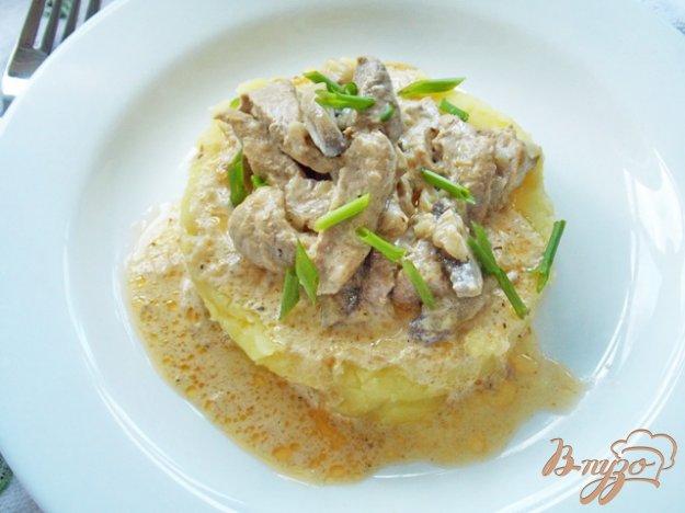 фото рецепта: Свинина с грибами в сметане