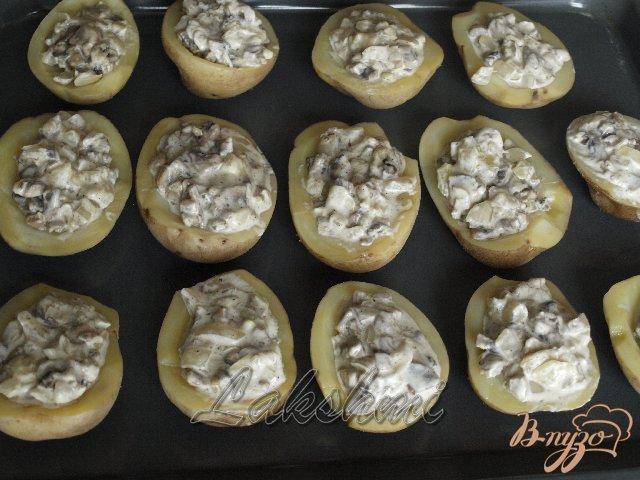 Фото приготовление рецепта: Жюльен в картофеле шаг №3