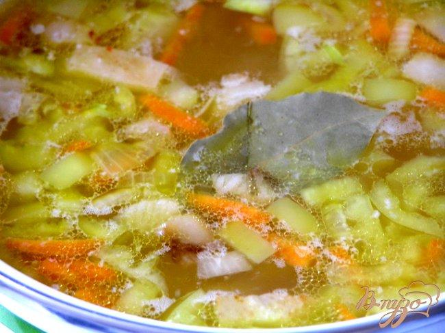 Фото приготовление рецепта: Картофельный суп с беконом шаг №6