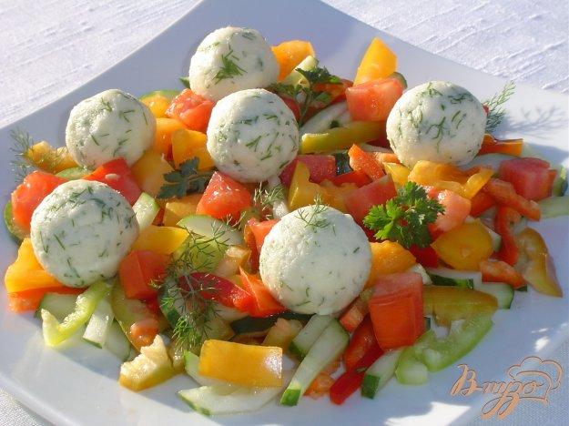 Рецепт Салат овощной с шариками из феты