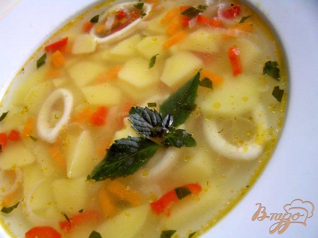 Рецепт Суп с кальмарами и базиликом