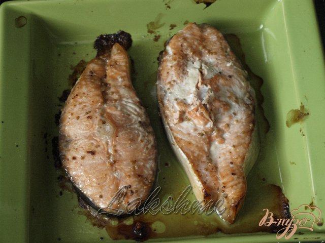 Фото приготовление рецепта: Нежная сёмга под клюквенным соусом шаг №3