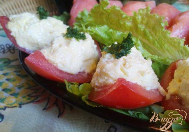 """Рецепт Закуска """"Лодочка"""" с сырным салатом"""