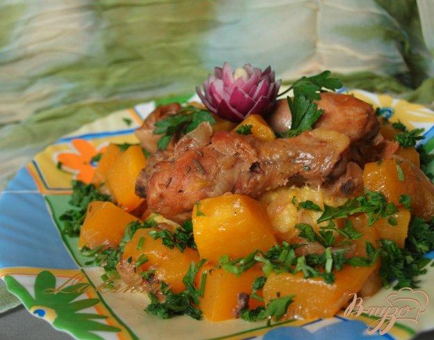 фото рецепта: Тушеная пряная курица с тыквой