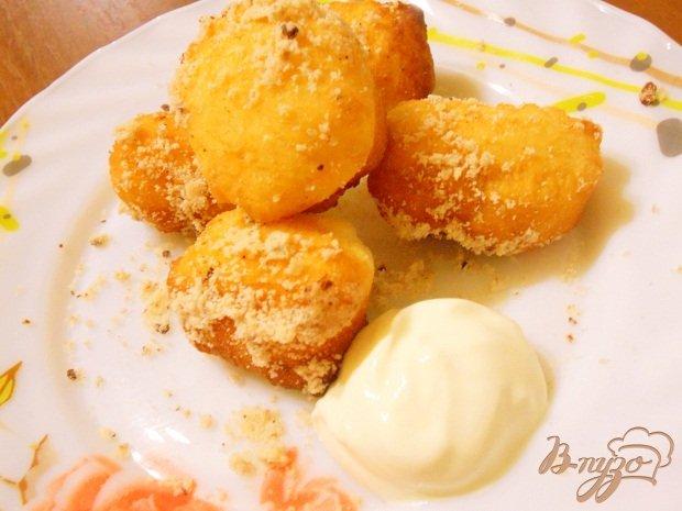 Фото приготовление рецепта: Лимонные мини - пончики шаг №5