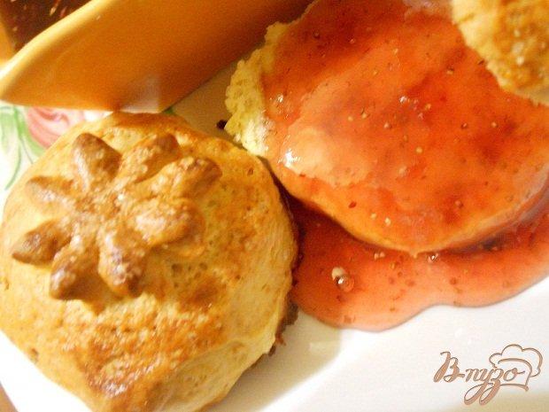 Фото приготовление рецепта: Британские булочки шаг №4