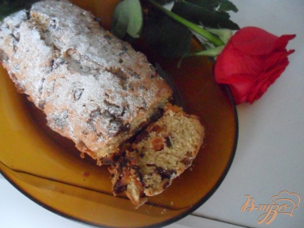 фото рецепта: Кекс с шоколадными каплями и курагой