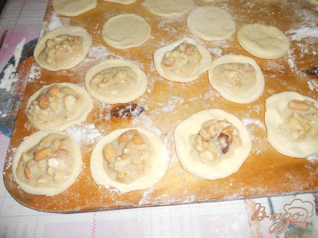 Фото приготовление рецепта: Слоеные пирожные шаг №4