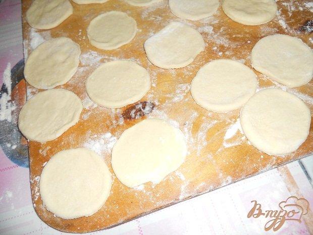 Фото приготовление рецепта: Слоеные пирожные шаг №3