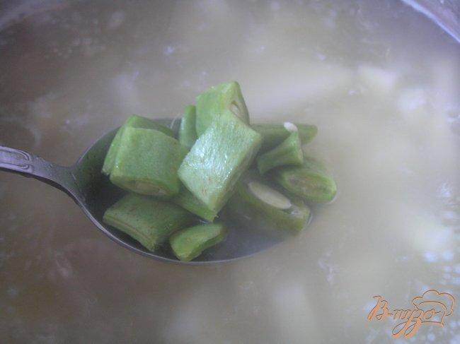 Фото приготовление рецепта: Куриный суп с лоби шаг №2