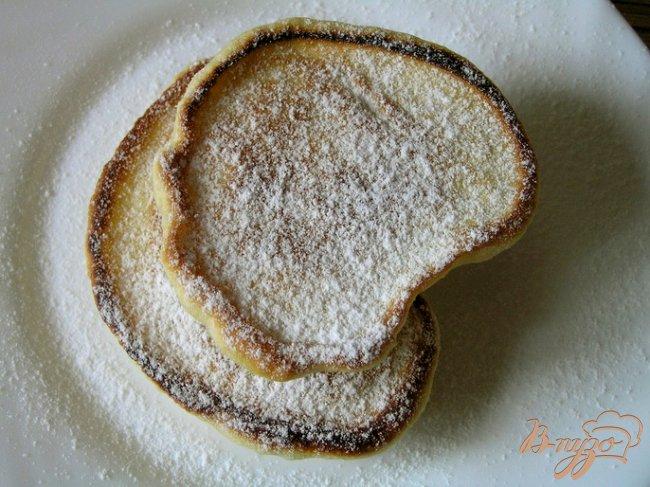 Фото приготовление рецепта: Пышные оладьи на кефире шаг №5