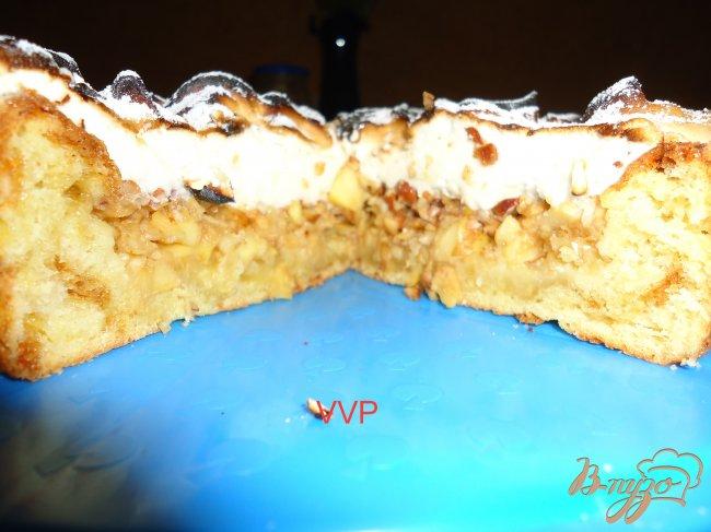 Фото приготовление рецепта: Яблочно-миндальный пирог шаг №8