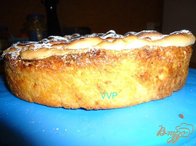 Фото приготовление рецепта: Яблочно-миндальный пирог шаг №7