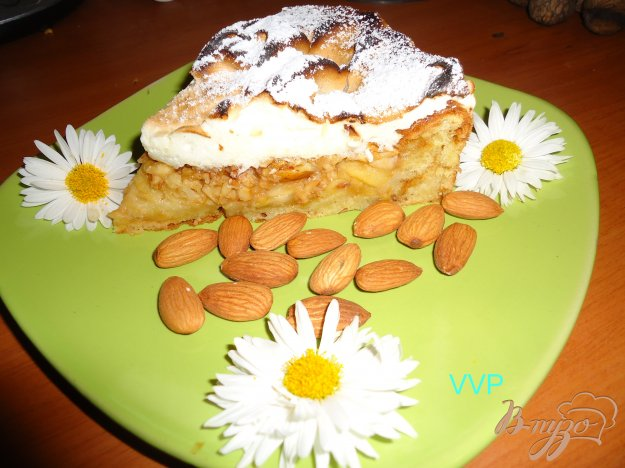 фото рецепта: Яблочно-миндальный пирог