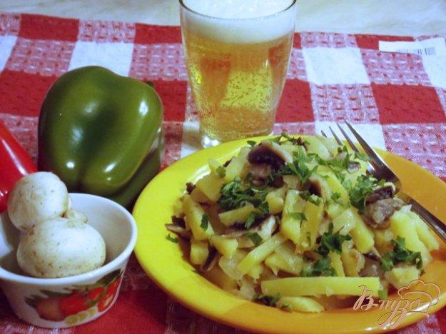 Рецепт Жареный картофель с грибами и луком