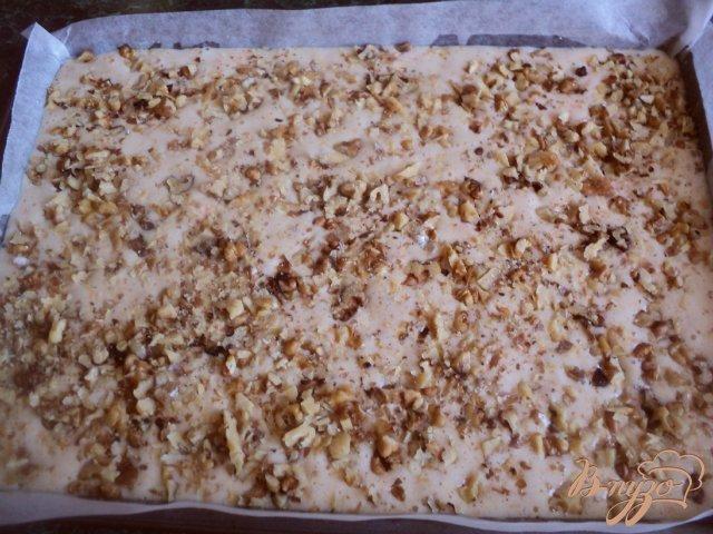Фото приготовление рецепта: Тыквенно-ореховое пирожное шаг №4